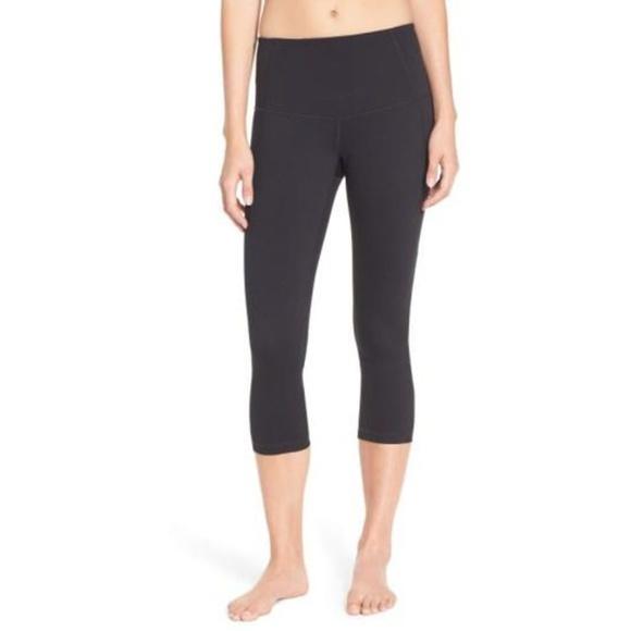 036cda8611 Zella Black Crop Yoga Fitness Gym Workout Pants M